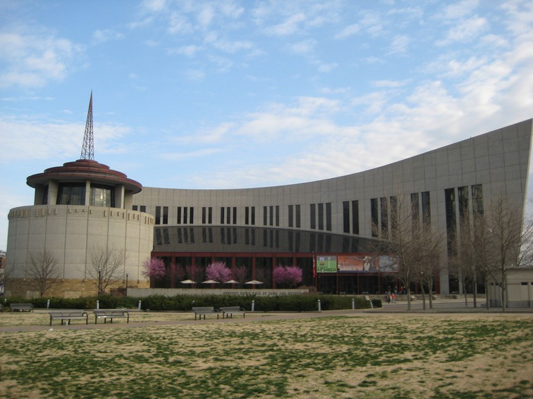 Country Music Hall of Fame / (c) edwardhblake / Flickr