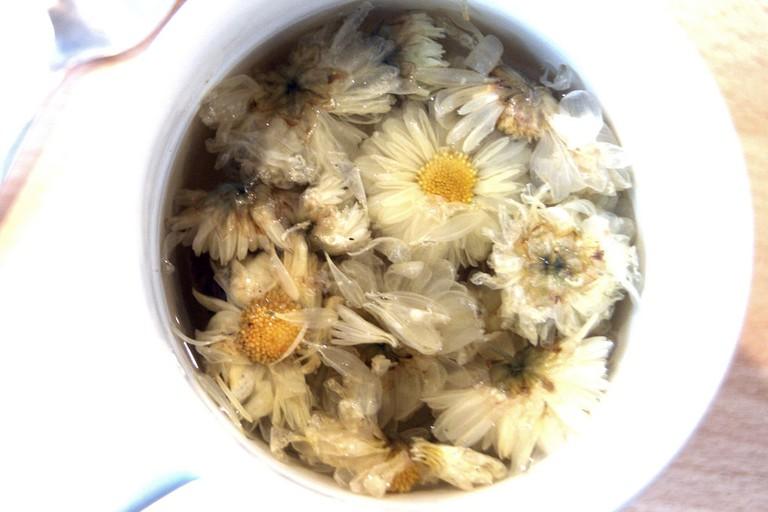Chrysanthemum Tea | © Joe Lodge / Flickr