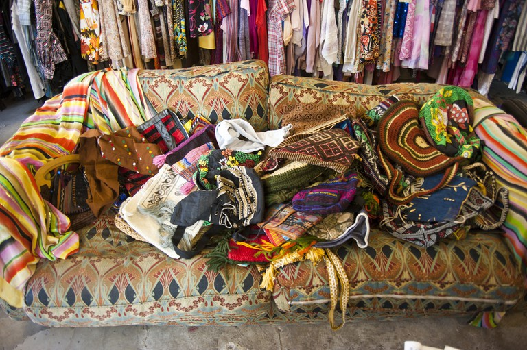 Second-hand clothes | © Bryan Ledgard / Flickr