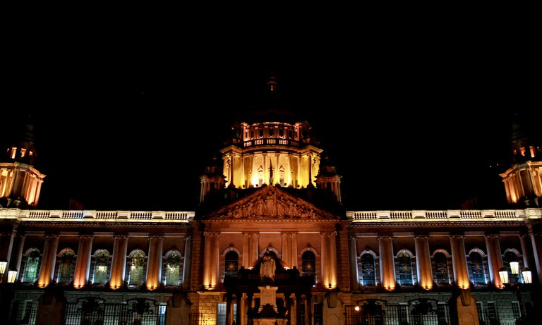 Belfast City Hall by Night | © André Luís/ Flickr