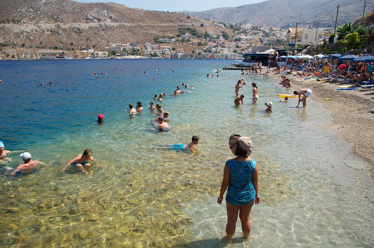 Swimming in Yialos | © Martin Thomas/Flickr