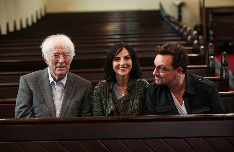 Seamus Heaney, Bono with Sian Smyth at Dalkey Book Festival | © Conor McCabe/ Flickr