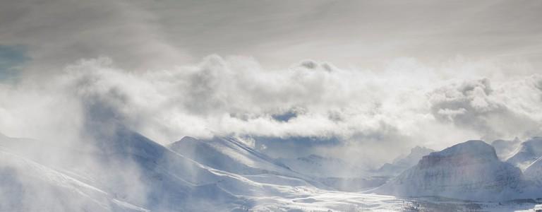 Skiing at Sunshine Village | © Klim Levene / Flickr