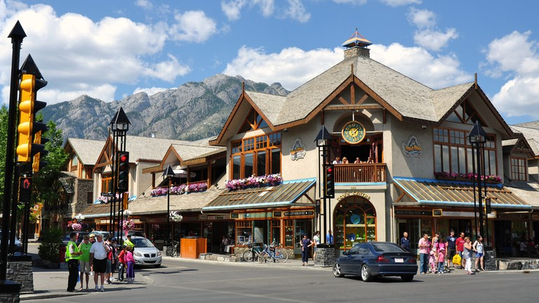 Banff's main street | © Stuart Madden / Flickr