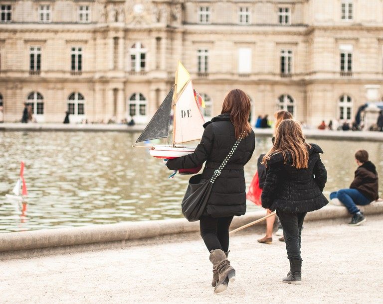 Boating in the Jardin du Luxembourg │© Valerie Hinojosa / Flickr