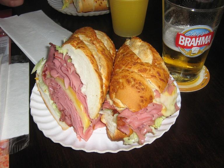 Mortadela sandwich © Claudio Vieira/ Flickr