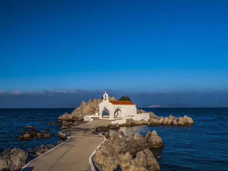Small church of Agios Isidoros at Lagada, Chios | © PixaBay