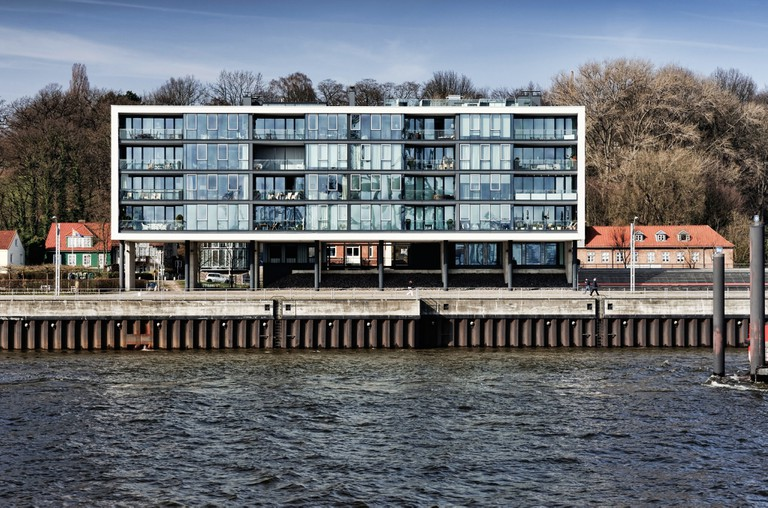Modern dwelling house on the shore new mills in Ottensen, Hamburg, Germany, Europe