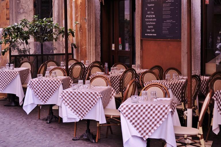 Empty restaurant │© 324082 / Pixabay