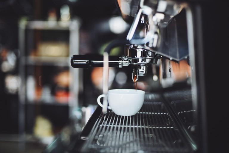 Espresso machine │© Chevanon / Pexels