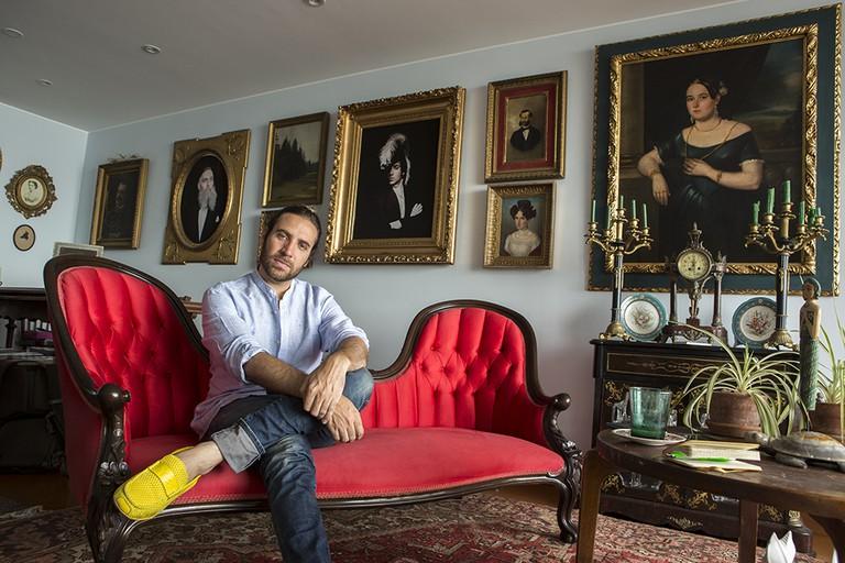 Fuchs poses in his Barranco apartment. | ©Manuel Orbegozo