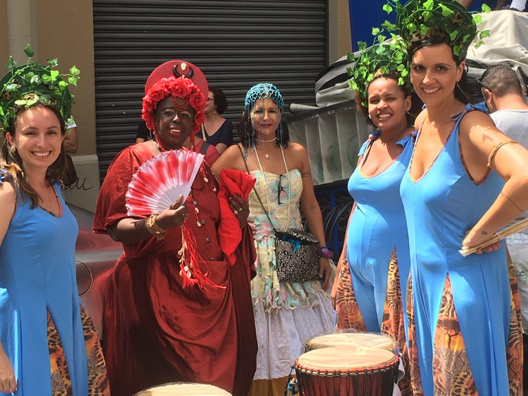 Girlei Miranda, in red, one of the founders of Ilu Oba de Min group © Lise Alves