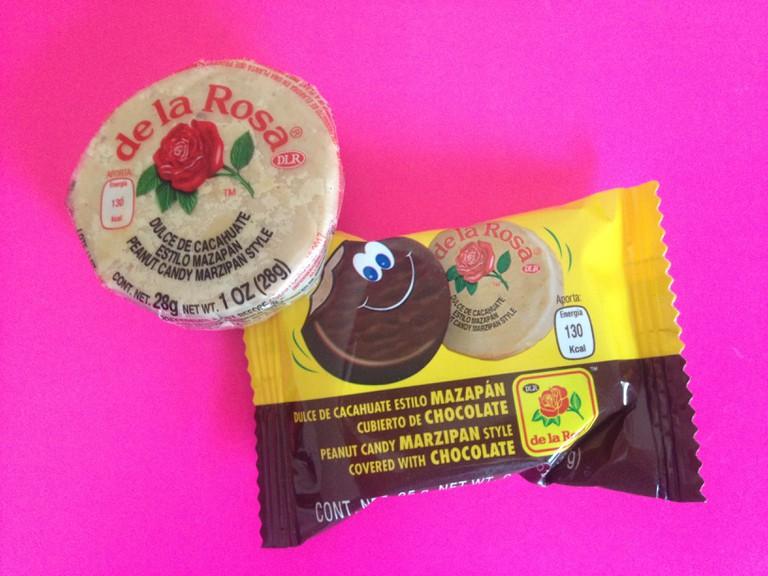 Mazapanes de la Rosa, both chocolate and original | © Lauren Cocking