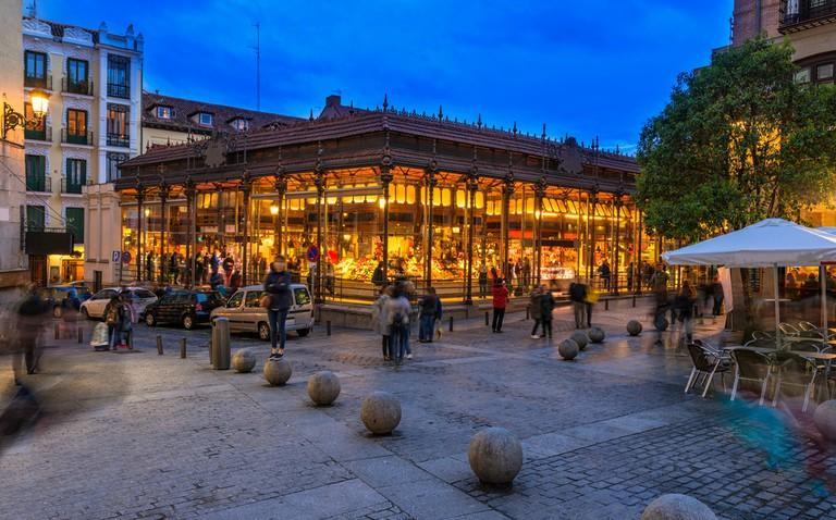 Night view of Mercado San Miguel in Madrid, Spain | © Catarina Belova/Shutterstock