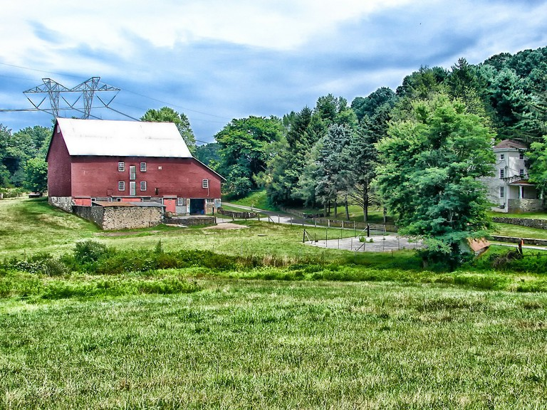 Americanah: A barn in rural Pennsylvania © Pixabay