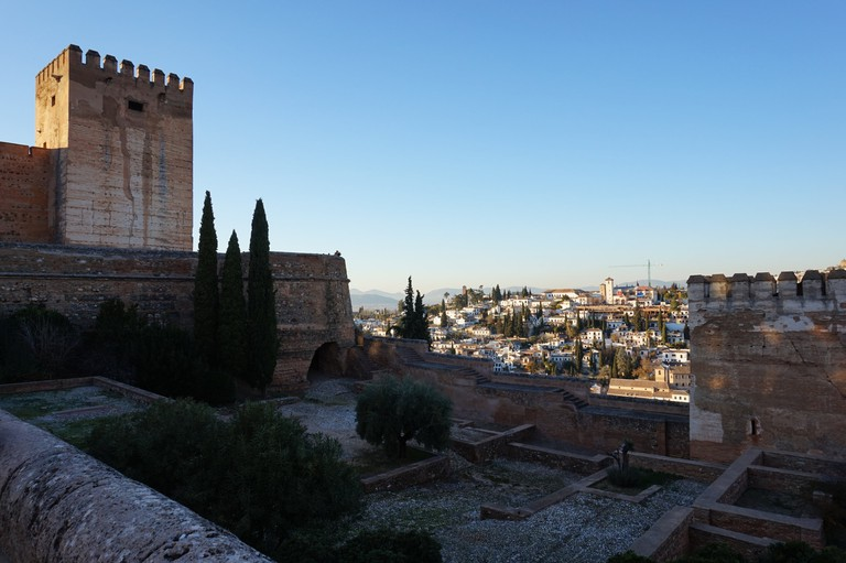 The fobidding outer walls and towers of Granada´s great Moorish fort, the Alhambra; courtesy of Encarni Novillo