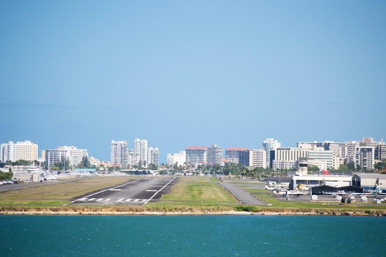 San Juan Airport runway | © nathanmac87/ Flickr