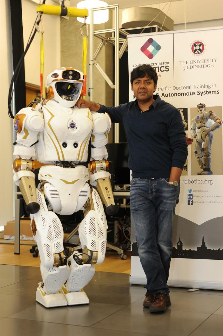 Professor Sethu Vijayakumar And NASA Valkyrie | © Peter Tuffy Photography