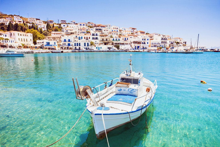 Beautiful view at Batsi village, Andros island, Cyclades, Greece | © Kite_rin/Shutterstock