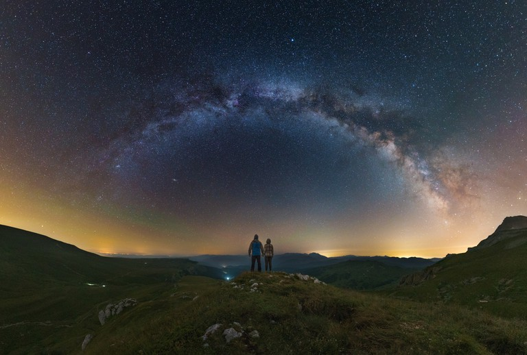Under the stars © Yuri Zvezdny / Shutterstock