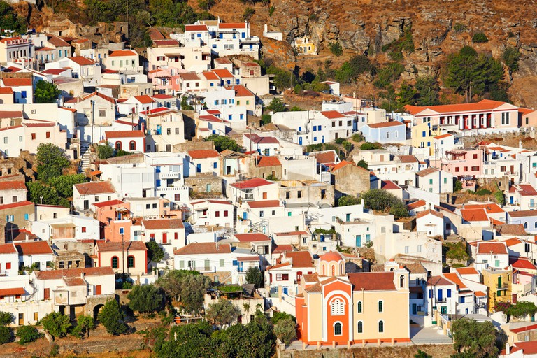 Ioulida, the capital of Kea built with traditional Cycladic architecture, located in the mainland of the island in Greece | © Constantinos Iliopoulos/Shutterstock