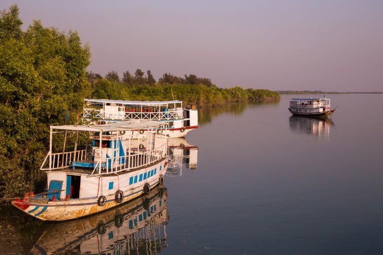 Boat safari in bengal, Sunderbans | © StanislavBeloglazov/Shutterstock