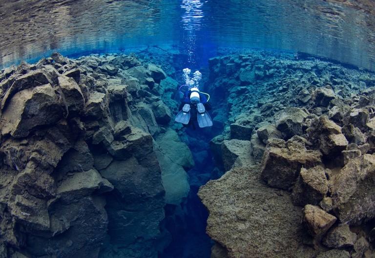 Diving in Silfra, Iceland | © Grant M Henderson/Shutterstock