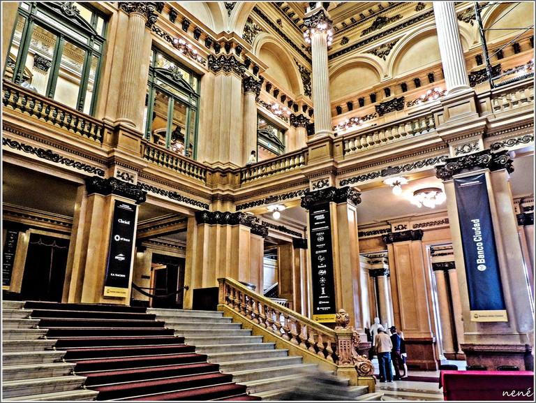 Grand staircase of Teotro Colon | © Nene Reguera / Flickr