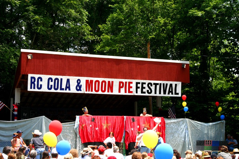RC Cola & Moon Pie Festival / (c) Alison Groves / Flickr