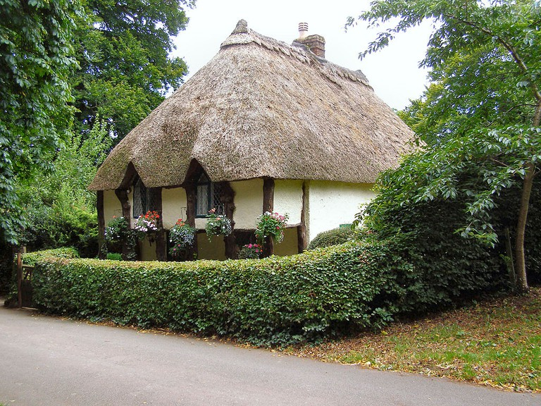 Thatched cottage in Cockington © David Dixon