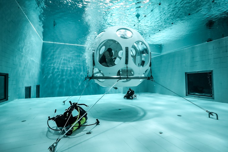Underwater restaurant The Pearl | Courtesy of Nemo 33