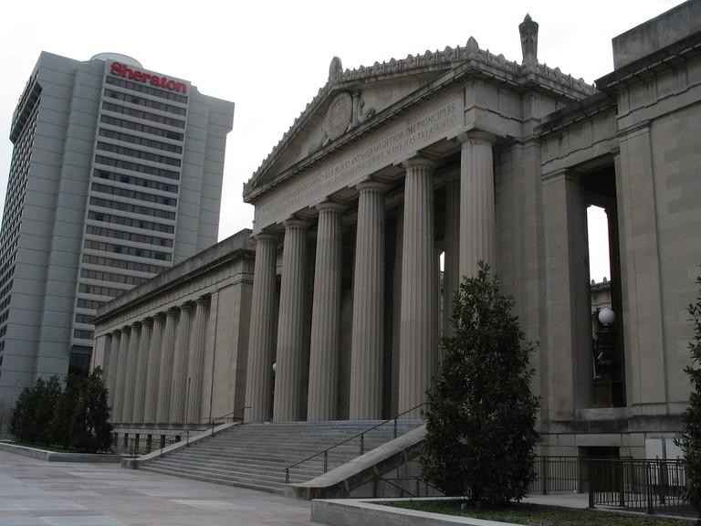 War Memorial Auditorium / (c) Ken Lund / Flickr