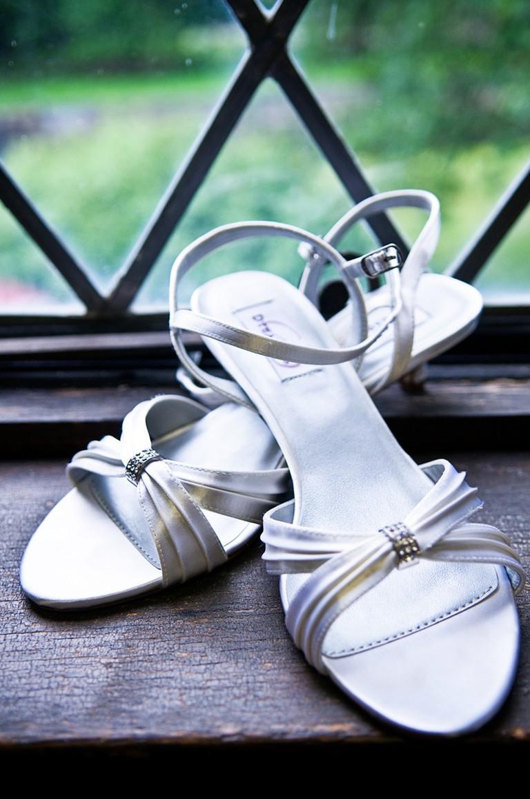 wedding shoes / (c) Corey Balazowich / Flickr