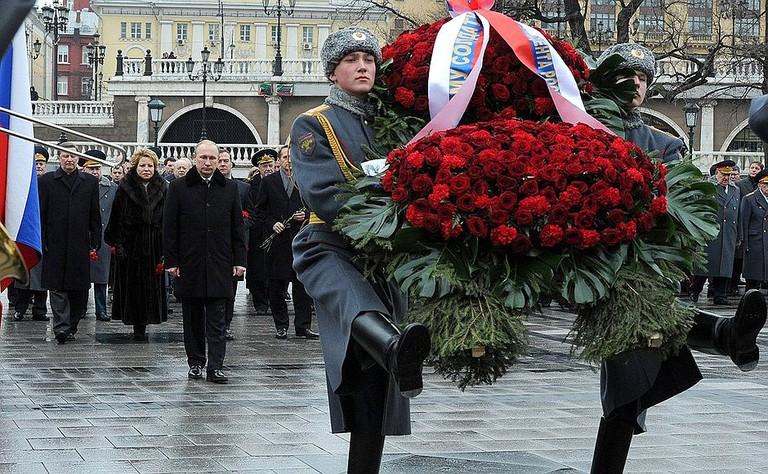 Wreath laying at the Kremlin Wall