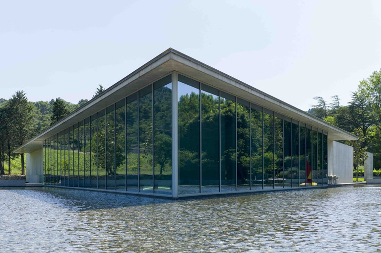 The Tadao Ando Art Centre is the home to the wonderful restaurant at Château La Coste, which has invested a lot of money into its rosé wine production