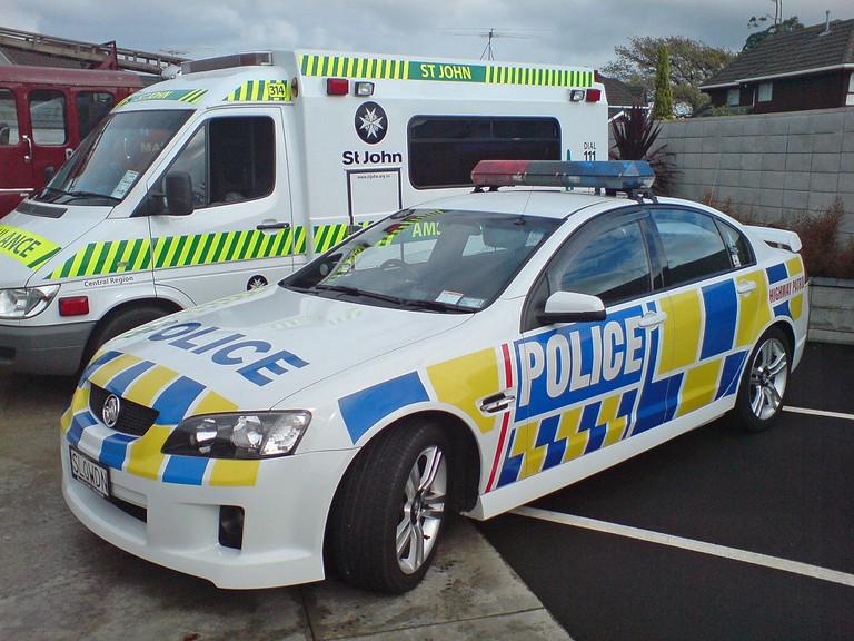 New Zealand Police and Ambulance | © NZ Police/Wikimedia Commons