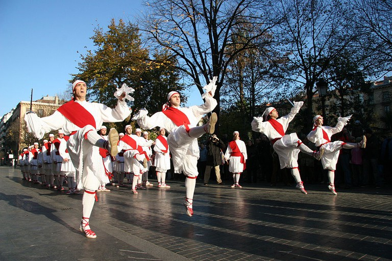 Basque dancers | ©Kezka / https://www.flickr.com/photos/kezka/358194314/