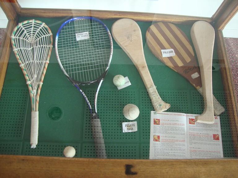 Pelota racquets   ©Havang(nl) / Wikimedia Commons