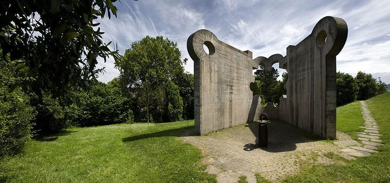 'Gure Aitaren Etxea' sculpture by Eduardo Chillida   ©Papamanila