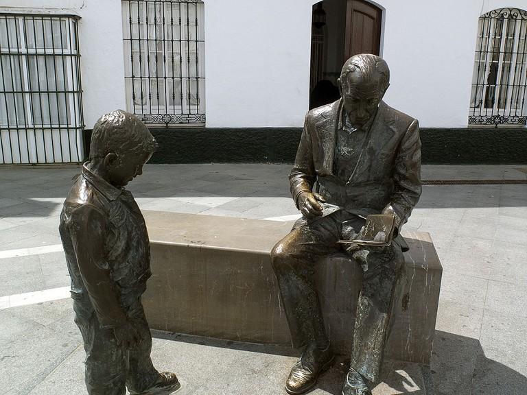 Statue of José Saramago in Spain © Pedro M. Martínez Corada / Wikimedia Commons