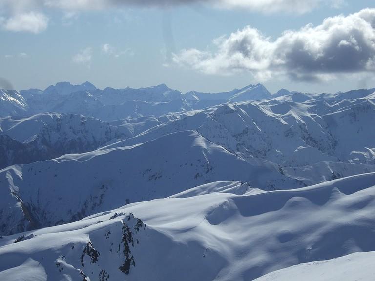 Looking West from Coronet Peak | © Yun Huang Yong/Wikimedia Commons
