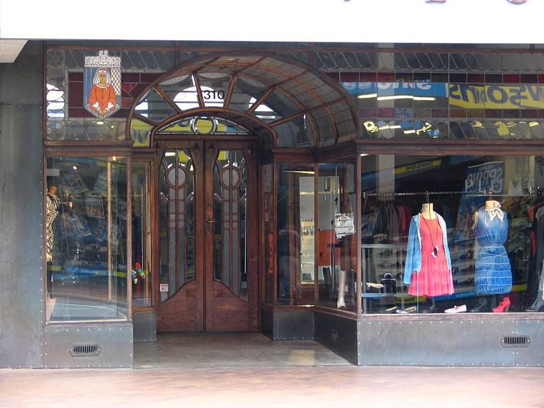 Plume Clothes Shop Doorway, Dunedin | © Benchill/Wikimedia Commons
