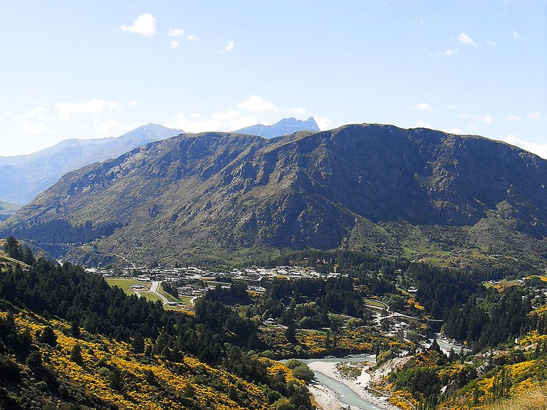 Queenstown Hill and Arthurs Point | © Andre Chalmers/Wikimedia Commons