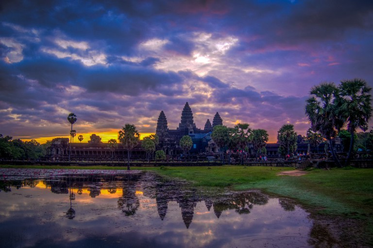 Sunrise over Angkor Wat | © Maxim B / Flickr