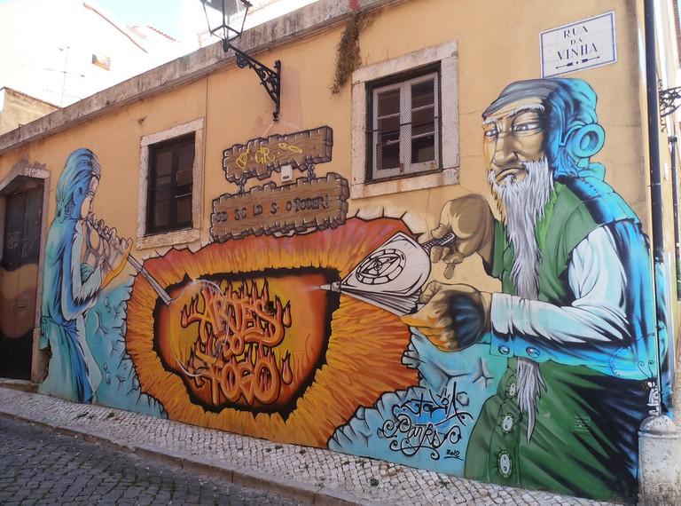 Lisbon street art, Rua da vinha © Jeanne Menjoulet / Flickr