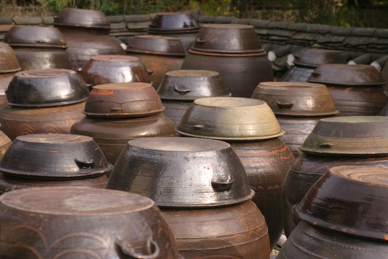 Onggi, traditional Korean earthenware vessels, were commonly used to store fermented condiments in the past | © Madison Scott-Clary / Flickr