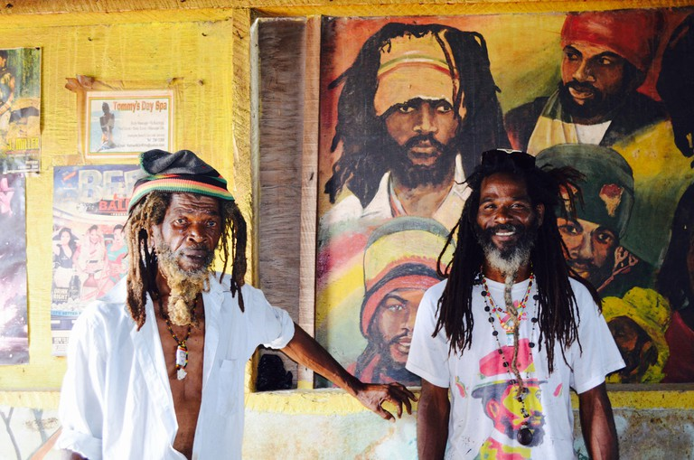 Rastaman and Future the artiste, Jamaica | © CaribbeanCables/Flickr