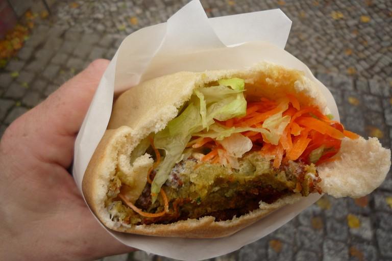 Falafel Sandwich   © Martijn van Exel/ Flickr
