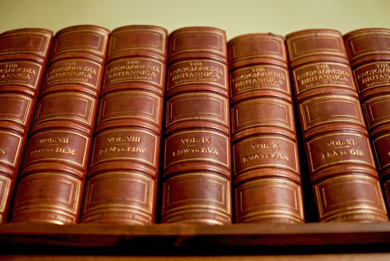 Encyclopedia Britannica | © Stewart Butterfield/Flickr