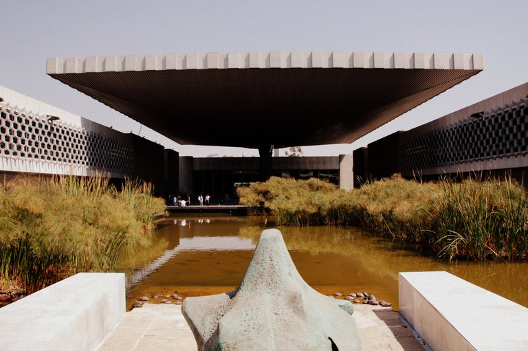 Museo Nacional de Antropología, showing the scale of El Paraguas | © LWYang/Flickr